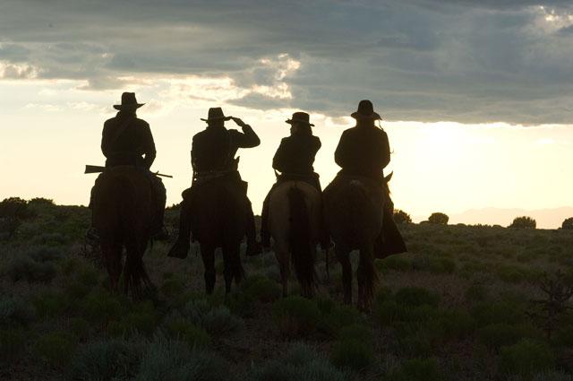 The Burrowers, western de terror dirigido por J. T. Petty