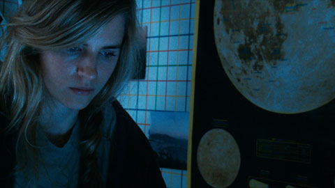 critica another earth otra tierra