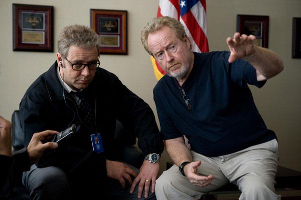 Ridley Scott y Russel Crowe en el rodaje de Red de Mentiras ridley scott Ridley Scott ridley scott russel crowe red de mentiras destacada