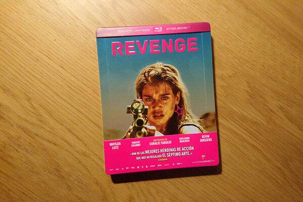 Steelbook de Revenge, editado por A contracorriente films